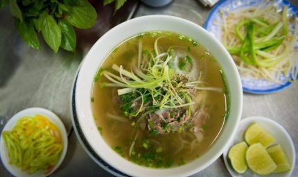 Vietnamese Pho leads the 10 top well-known noodles in the world